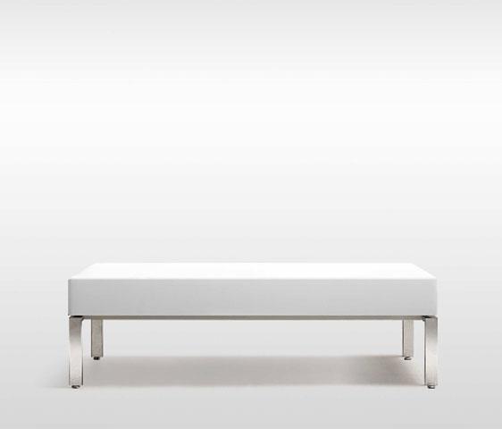 Divani di design con alti fianchi per la zona attesa e relax metr design arredamento per nail - Complementi d arredo di design ...