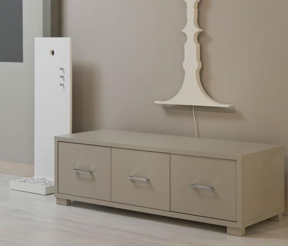 Metr cassettiere e panca con cassetti per centro for Cassettiere design outlet