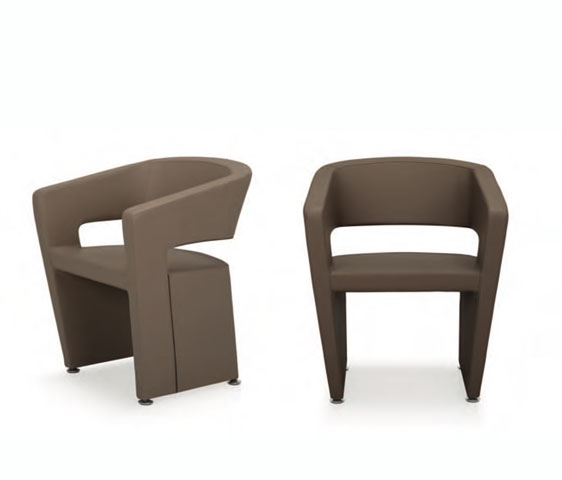 Poltroncine design per l 39 arredamento dell 39 area attesa del for Poltrone da design