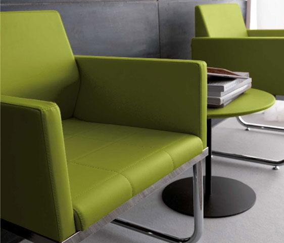 Poltrona per clienti nail center modello city by - Divano verde acido ...